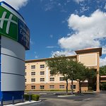 Photo of Holiday Inn Express & Suites Plant City