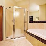 Foto de Holiday Inn Express Hotel & Suites Vernon College Area (Hwy 287)