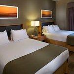 Photo de Holiday Inn Express & Suites Orangeburg