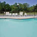 Photo de Holiday Inn Express Hotel & Suites Suffolk