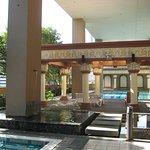 Vue de la piscine au 8ème étage