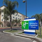 Photo of Holiday Inn Express & Suites Bakersfield Central