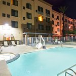 Photo de Holiday Inn Hotel & Suites Goodyear-West Phoenix Area