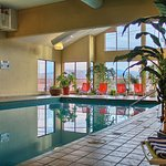 Holiday inn Hotel & Suites Foto