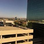 Photo de Embassy Suites by Hilton Irvine - Orange County Airport
