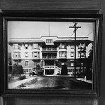 James Bay Inn Hotel, Suites & Cottage Foto