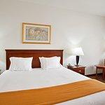 Photo de Holiday Inn Express Rochelle
