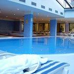 La piscina cubierta.