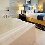 Weatherford Hotel Jacuzzi Suite