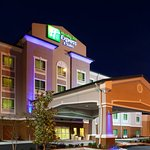 Photo de Holiday Inn Express Hotel & Suites Valdosta West - Mall Area