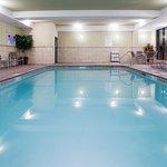Photo de Holiday Inn Express Hotel & Suites Richfield