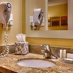 Photo de TownePlace Suites Las Vegas Henderson