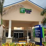 Holiday Inn Express & Suites Lantana