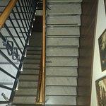 Escalera de acceso muy bien decorado