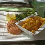 Tartare de saumon... produits frais, assaisonnement parfait; un régal!