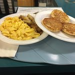 scrambled egg, ome fries and english