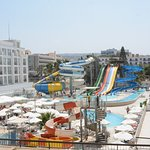 Attached Waterpark, free for Hotel Guests