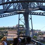 Met de bus door het Ponte Dom Luís naar Vila Nova de Gaia