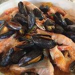 Seafood paela