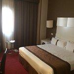Photo de Holiday Inn Madrid - Calle Alcala