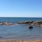 La navette pour aller à la plage est payante face au camping il faut marché environnement 300m p