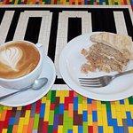 Large Latte & Apple Cinnamon Cake at Four Corners (12/Aug/16).