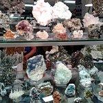 Mineral & Gem