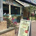 Julian's Cafe & Restaurant Foto