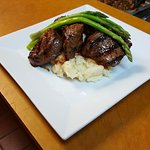 Steak Tips with Asparagus & Mashed