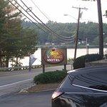 Birch Knoll Motel Image