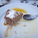 Gâteau de noix et crème anglaise maison