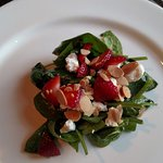 Salad w Strawberries
