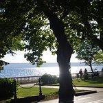 Tramonto sul lago visto dalla reception