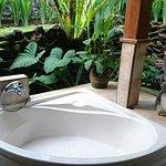 廣敞舒適的大床&室外浴缸