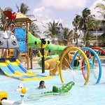 PrideInn Paradise Beach Resort Foto
