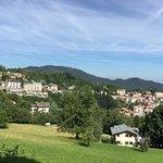 Vista dal versante opposto del Miramonti Hotel
