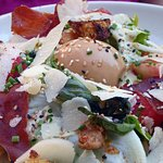 Salade césar (parmesan, sauce maison...)