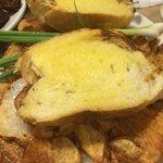 fries-garlic bread