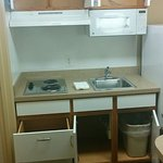 Kitchenette with NO utensils!?!?!?