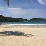 Photo de Playa la Ropa