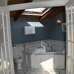 Attic suite bathroom