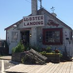 Great location and great lobster rolls !!