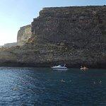 Foto di Xlendi Beach, Cliff and Caves