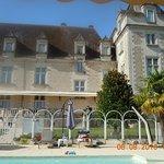 la piscine à l'arrière du château