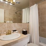Casa De Carmel Bathroom