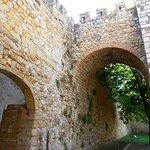 Arcos bajo torres