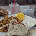 8-14-16 @ 6am. Chicken fried steak w/ home fries