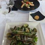 Salade de couteux et palourdes + crevettes à l'avocat