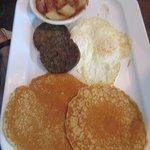 "The ""Captain"" breakfast at ""Henry's Restaurant"": Kill Devil Hills, NC"