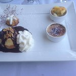 Assiette gourmande (crème brûlée, savarin, salade de fruits, profiterole) - desserts maison